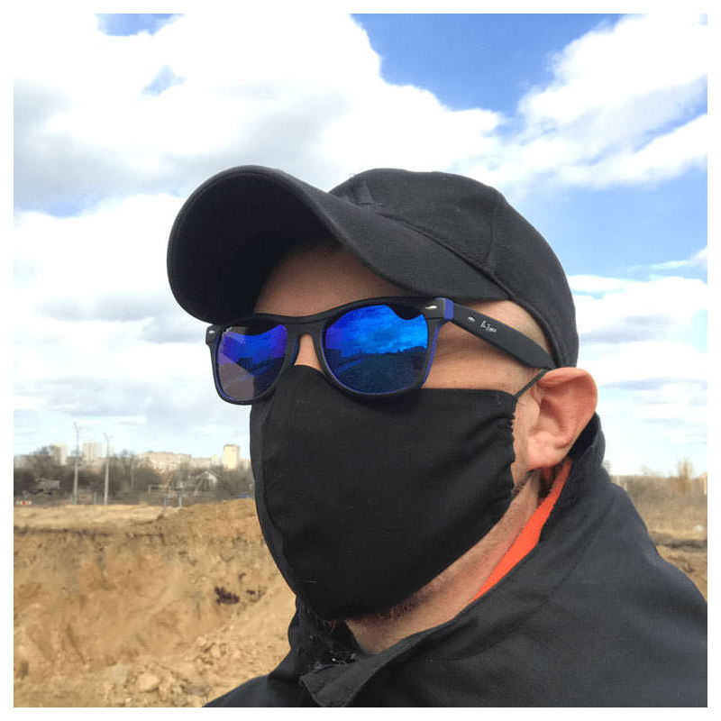 Черная защитная маска