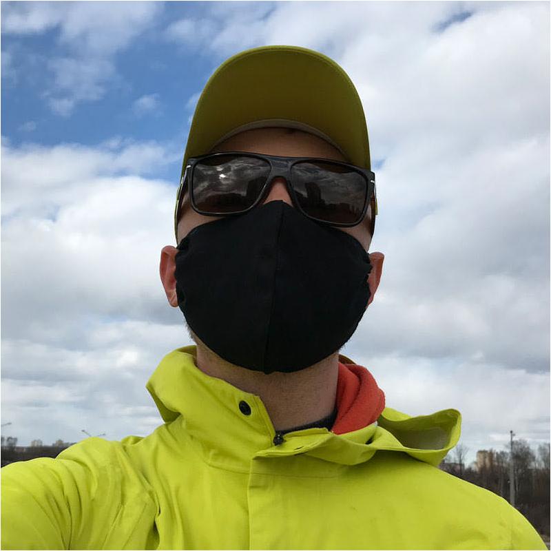 Внешний вид защитной маски черного цвета