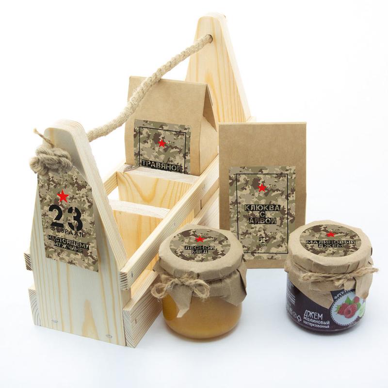 Набор «23 февраля» с травяным чаем, клюквой с айвой, медом и джемом